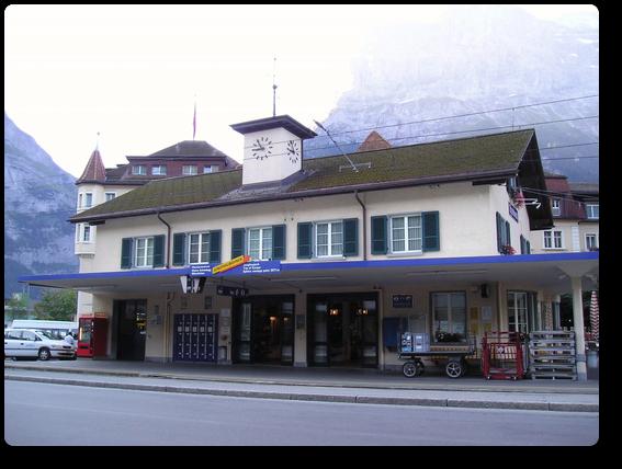 登山電車のグリンデルワルト駅